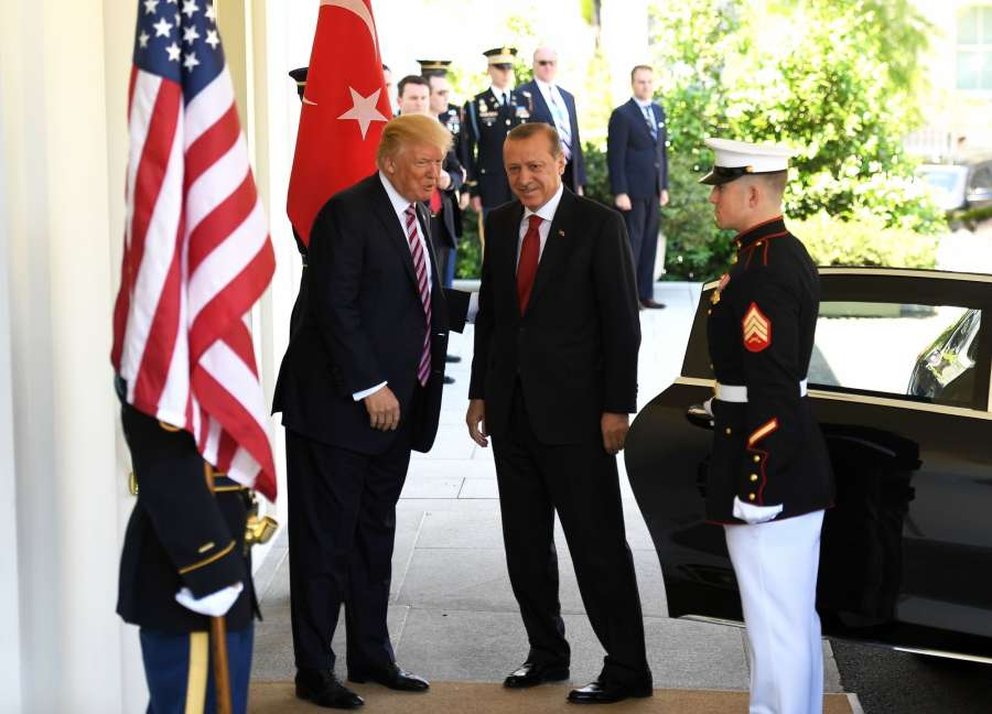 WASHINGTON, May 16, 2017 (Xinhua) -- U.S. President Donald Trump (C-L) welcomes Turkish President Recep Tayyip Erdogan (C) at the White House in Washington D.C., the United States, on May 16, 2017. U.S. President Donald Trump and his Turkish counterpart Recep Tayyip Erdogan pledged on Tuesday to repair bilateral relationship fraught with difficulties in the past. (Xinhua/Yin Bogu/IANS) by .