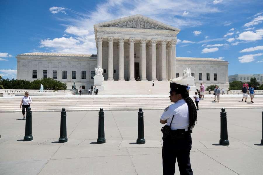 U.S.-WASHINGTON D.C.-SUPREME COURT-TRUMP-REVISED TRAVEL BAN by .