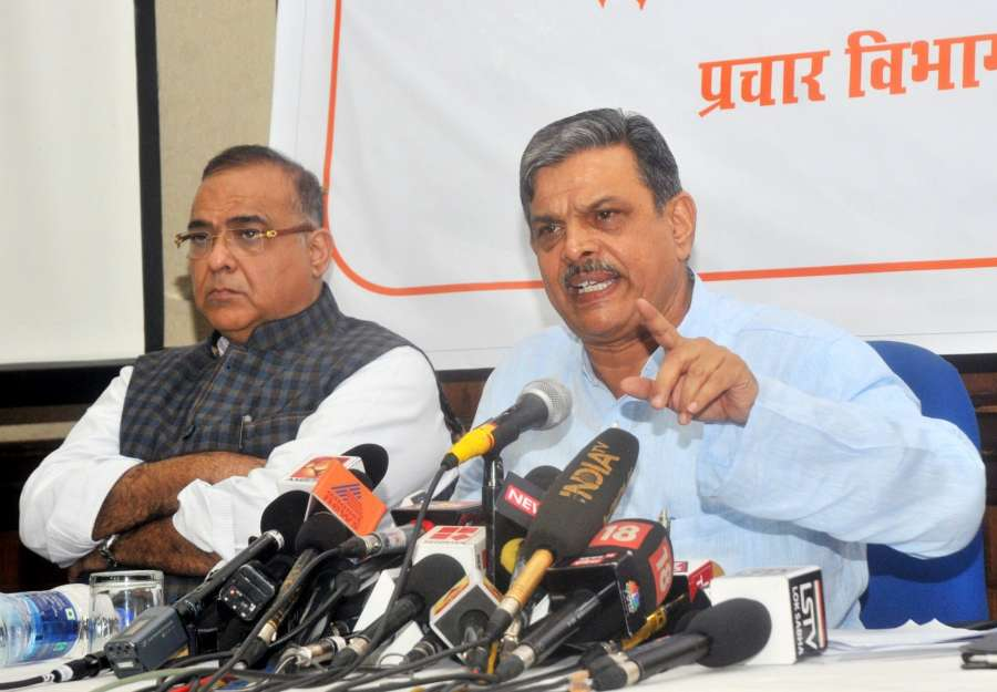 New Delhi: RSS Joint General Secretary Dattatreya Hosabale addresses a press conference regarding court-monitored probe into killing of RSS Kerala workers; in New Delhi on Aug 4, 2017. (Photo: IANS) by .