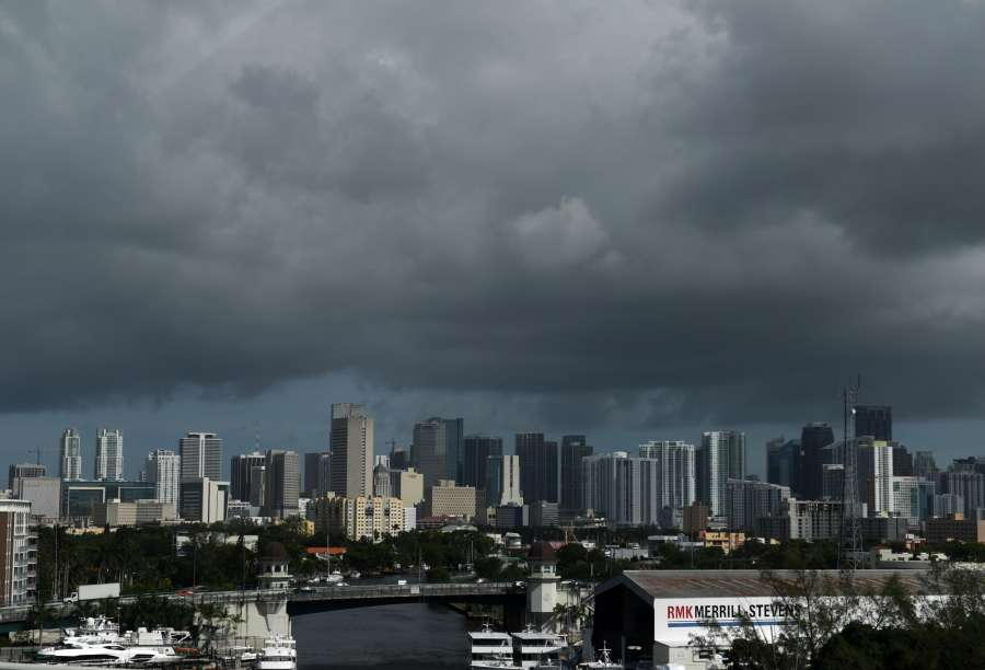 MIAMI, Sept. 9, 2017 (Xinhua) -- Dark clouds are seen as hurricane Irma approaches in Miami of Florida, the United States, Sept. 8, 2017. The U.S. National Hurricane Center said Friday evening that hurricane Irma has strengthened to category five. (Xinhua/Yin Bogu/IANS) by .