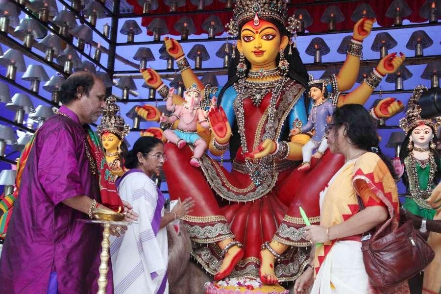 Kolkata: West Bengal Chief Minister Mamata Banerjee inaugurates Babubagan Club's Pandal ahead of Durga Puja in Kolkata on Sept 22, 2017. (Photo: Kuntal Chakrabarty/IANS) by .