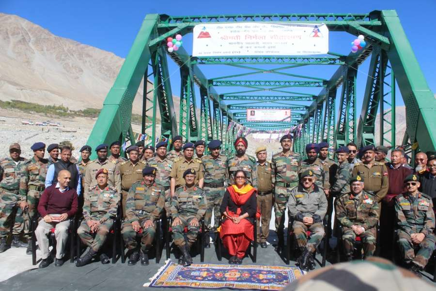 Siachen: Defence Minister Nirmala Sitharaman inaugurates a bridge on river Shyok on the road between Durbuk and Daulat Beg Oldi (DBO) in Jammu and Kashmir on Sept 30, 2017. (Photo: IANS/DPRO) by .