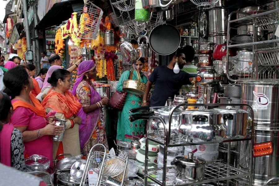 Dharamsala: People busy buying utensils on Dhanteras in Dharamsala on Oct 17, 2017. (Photo: IANS) by .