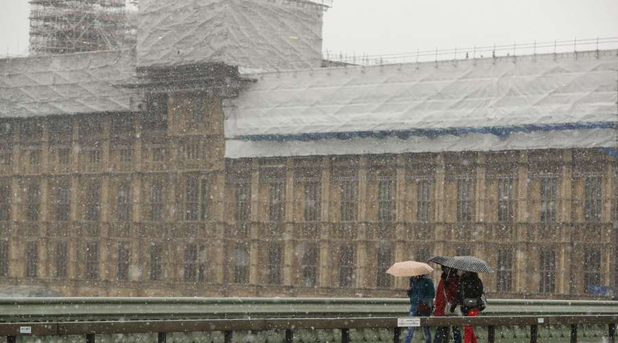 BRITAIN-LONDON-WEATHER-SNOW by .