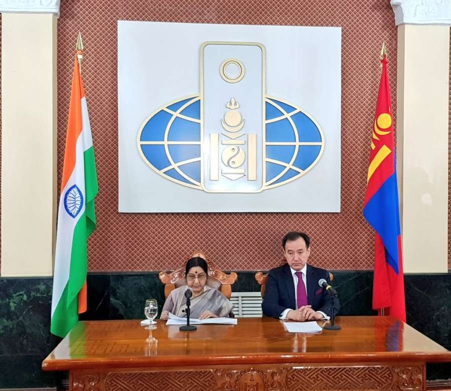 Ulaanbaatar (Mongolia): External Affairs Minister Sushma Swaraj and Foreign Minister of Mongolia Damdin Tsogtbaatar addresses a press conference in Ulaanbaatar, Mongolia on April 25, 2018. (Photo: IANS/MEA) by .