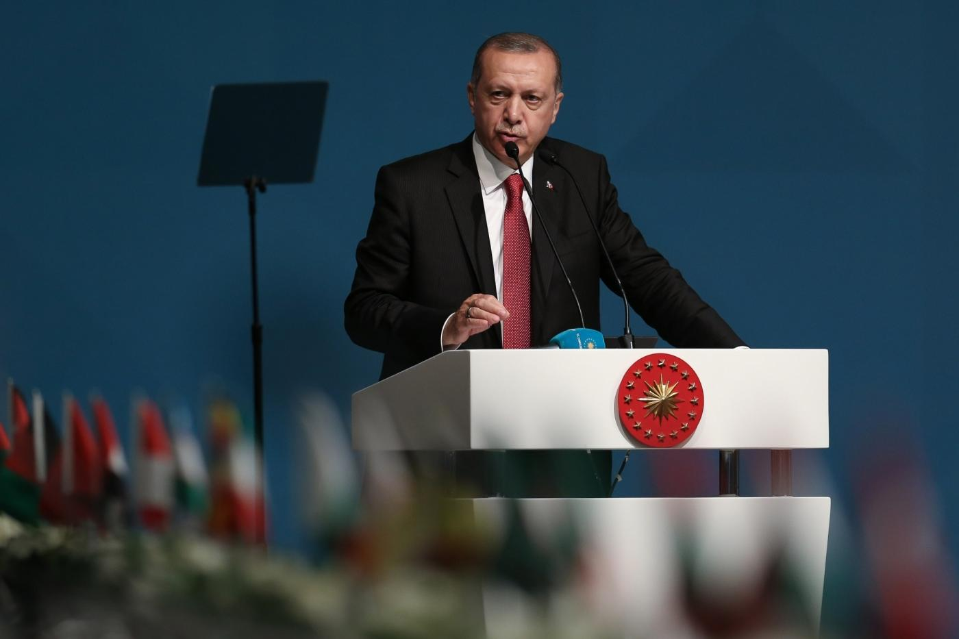 "ISTANBUL, May 19, 2018 (Xinhua) -- Turkish President Recep Tayyip Erdogan makes a speech at an extraordinary summit of the Organization of Islamic Cooperation (OIC) in Istanbul, Turkey, on May 18, 2018. The 57-member OIC on Friday vowed to take ""all necessary steps"" to prevent other countries from following the U.S. example of moving their Israel embassies to Jerusalem. (Xinhua/Anadolu Agency/IANS) by ."