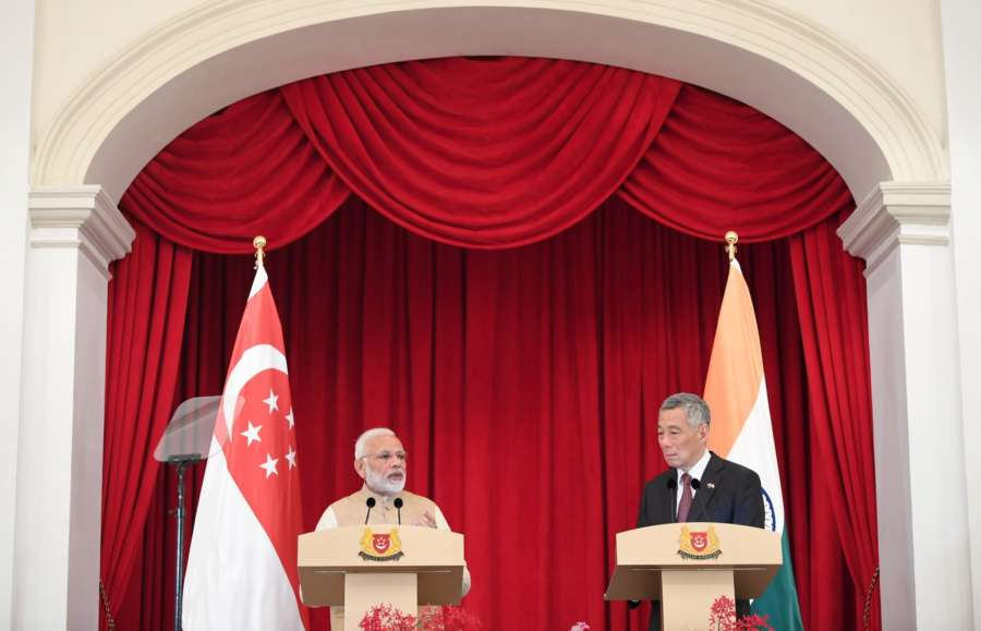 Singapore: Prime Minister Narendra Modi and the Prime Minister of Singapore Lee Hsien Loong at the Joint Media Statement, at Istana - Presidential Palace, in Singapore on June 01, 2018. (Photo: IANS/PIB) by .