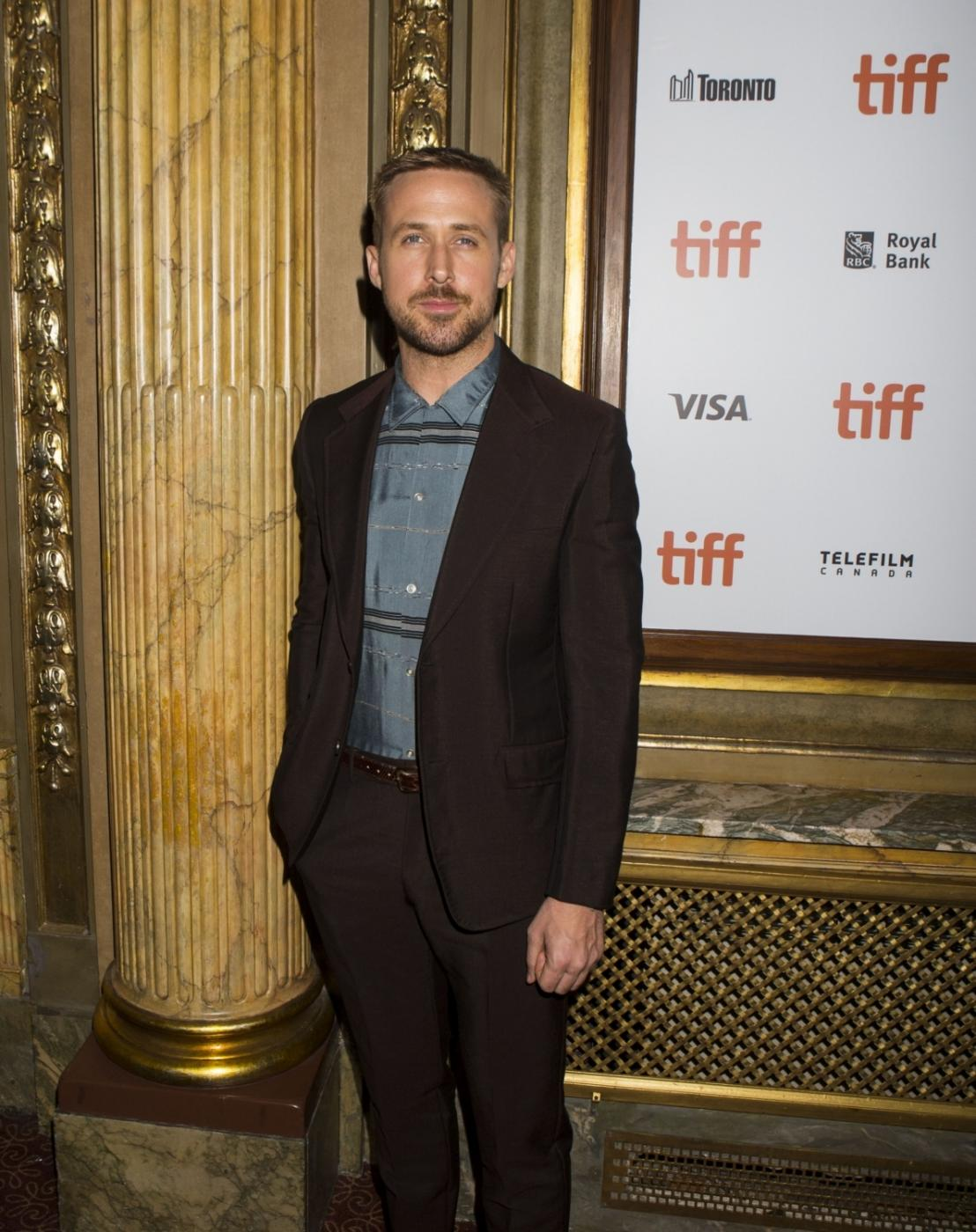 """TORONTO, Sept. 10, 2018 (Xinhua) -- Actor Ryan Gosling poses for photos before the Canadian premiere of the film """"First Man"""" during the 2018 Toronto International Film Festival in Toronto, Canada, on Sept. 10, 2018. (Xinhua/Zou Zheng/IANS) by ."""