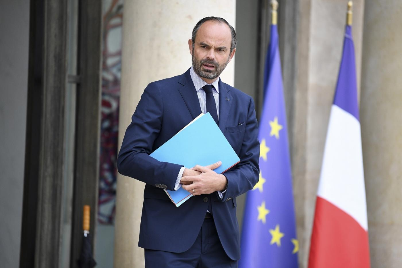 PARIS, Oct. 17, 2018 (Xinhua) -- French Prime Minister Edouard Philippe leaves the Elysee Palace after the cabinet meeting in Paris, France on Oct. 17, 2018. French President Emmanuel Macron on Tuesday named Christophe Castaner, one of his main backers, to supervise interior affairs and replace Gerard Collomb, in his latest cabinet reshuffle. (Xinhua/Jack Chan/IANS) by .