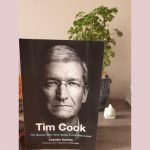 Book cover of Tim Cook by Leander Kahney. by .