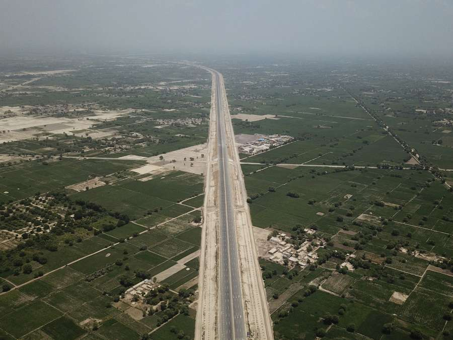 Multan (Pakistan), Aug. 5, 2019 (Xinhua) -- Arial photo taken on Aug. 5, 2019 shows the view of Sukkur-Multan Motorway in central Pakistan's Multan. The construction of the 392-km Sukkur-Multan Motorway under the China-Pakistan Economic Corridor (CPEC) has been completed. The motorway known as M5 in Pakistan was designed for speeds of up to 120 kmh with a total investment around 2.89 billion U.S. dollars. (Xinhua/Ahmad Kamal/IANS) by .