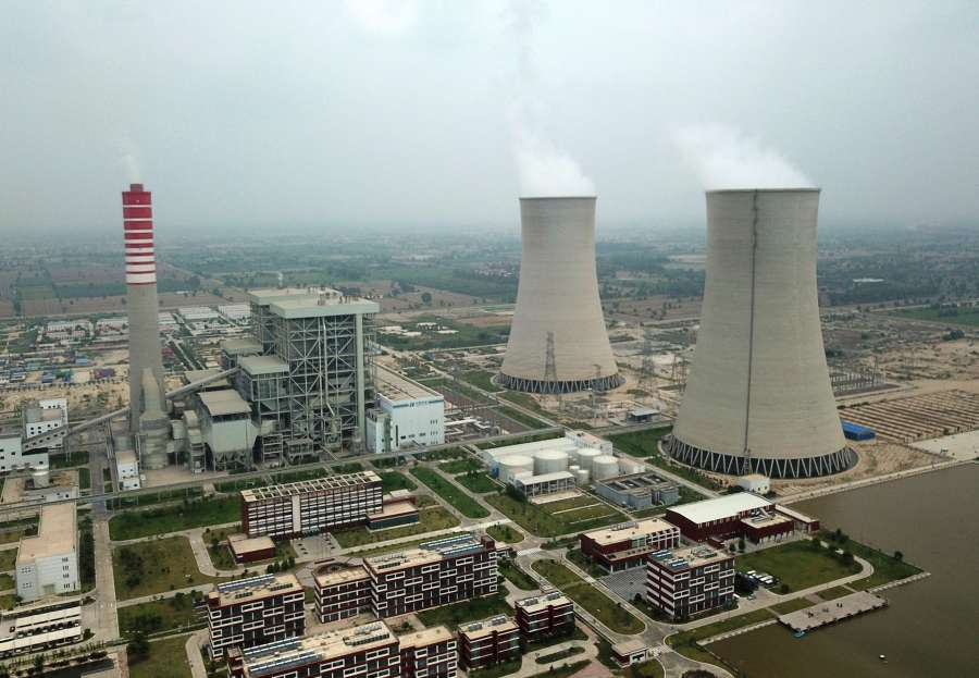 "SAHIWAL (PAKISTAN), Aug. 11, 2019 (Xinhua) -- The aerial photo taken on Aug. 6, 2019 shows the Sahiwal Coal Power plant in Sahiwal, Punjab Province, Pakistan. Power plants under the China-Pakistan Economic Corridor (CPEC) have improved livelihood of Pakistanis by helping the government overcome severe electricity shortage. TO GO WITH: ""Feature: CPEC power plant provides clean electricity, green environment to Pakistan"" (Xinhua/Ahmad Kamal/IANS) by ."
