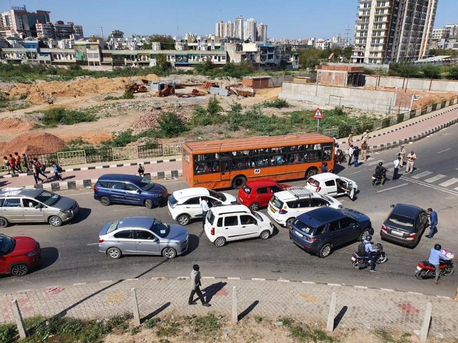 New Delhi: A view of the Anand Vihar bus terminal close to Delhi's border with Ghaziabad on Day 5 of the 21-day countrywide lockdown imposed to contain the spread of novel coronavirus, on March 29, 2020. (Photo: IANS) by .