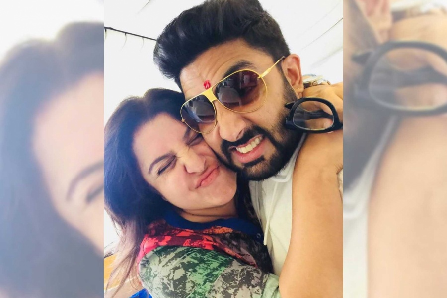 Abhishek gives 1 lakh to Farah Khan's daughter's bid to save strays. by .
