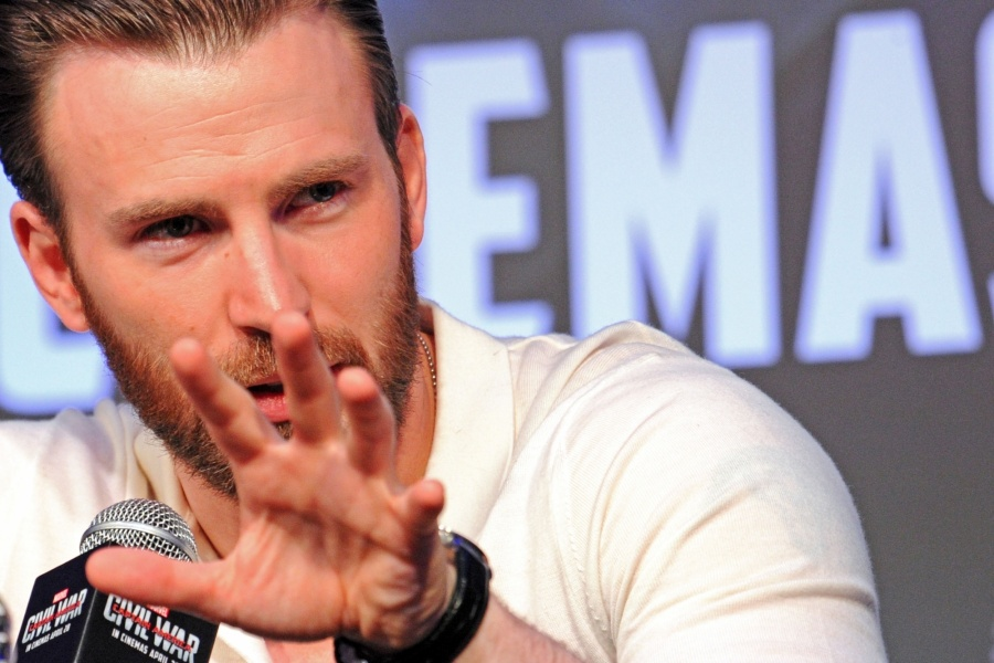 Actor Chris Evans. (File Photo: Xinhua/Then Chih Wey/IANS) by .