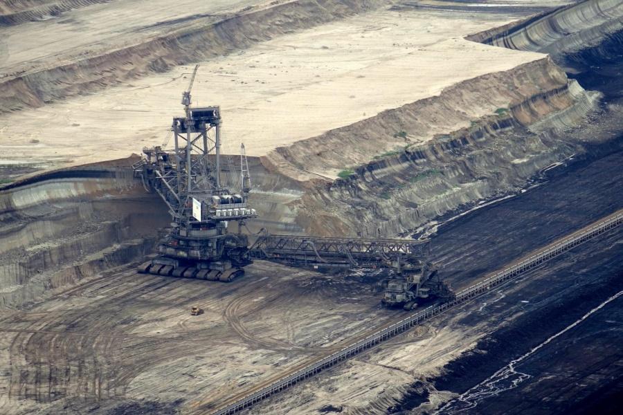 Coal mine. by .