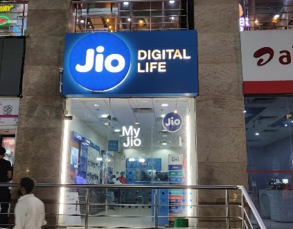 Jio. by .
