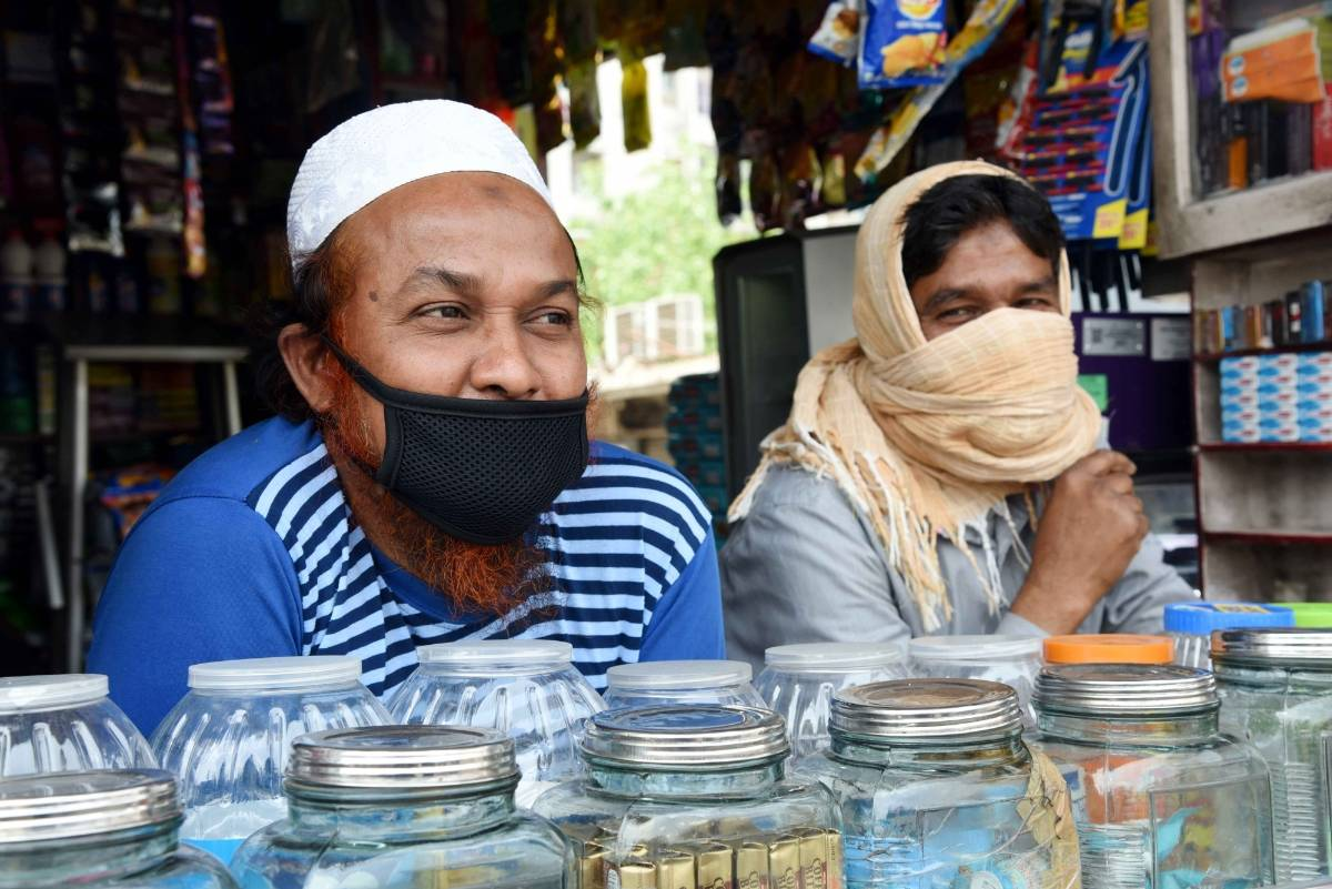 Patna: A shopkeeper waits for customers during the extended nationwide lockdown imposed to mitigate the spread of COVID-19 pandemic, in Patna on Apr 15, 2020. (Photo: IANS) by .