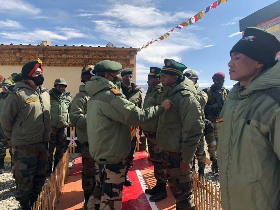 Army Chief visits forward locations in Eastern Ladakh. by .