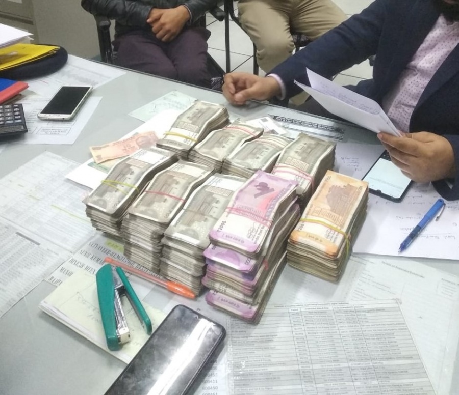 New Delhi: Rs 25 lakh cash seized by the Central Industrial Security Force (CISF) from a passenger's hand baggage, at the Okhla Vihar Metro Station in New Delhi on Jan 9, 2020. (Photo: IANS/CISF) by .