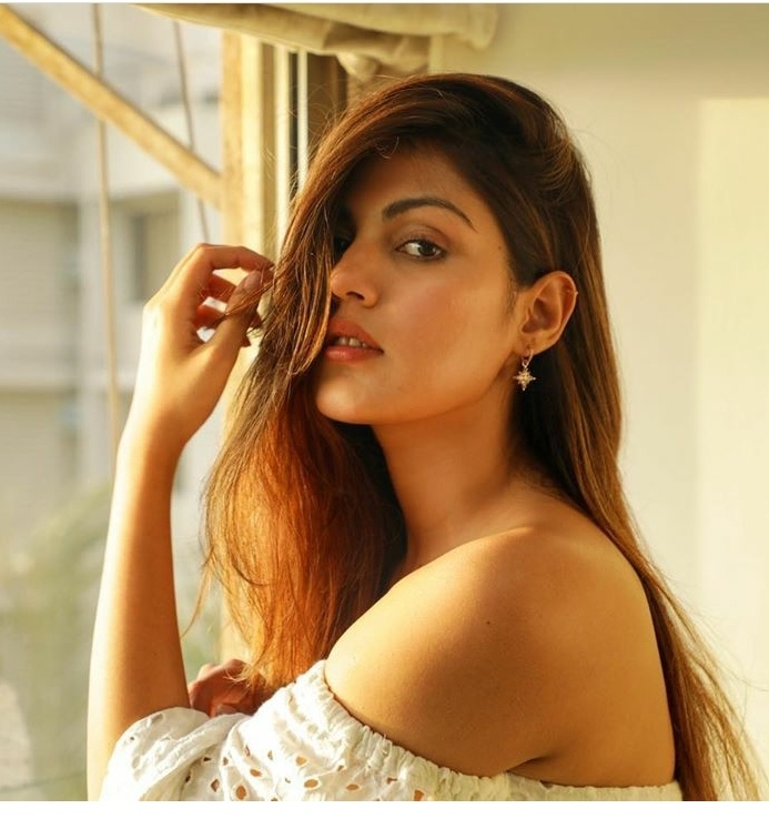 Rhea Chakraborty alleges getting rape and murder threat. by .