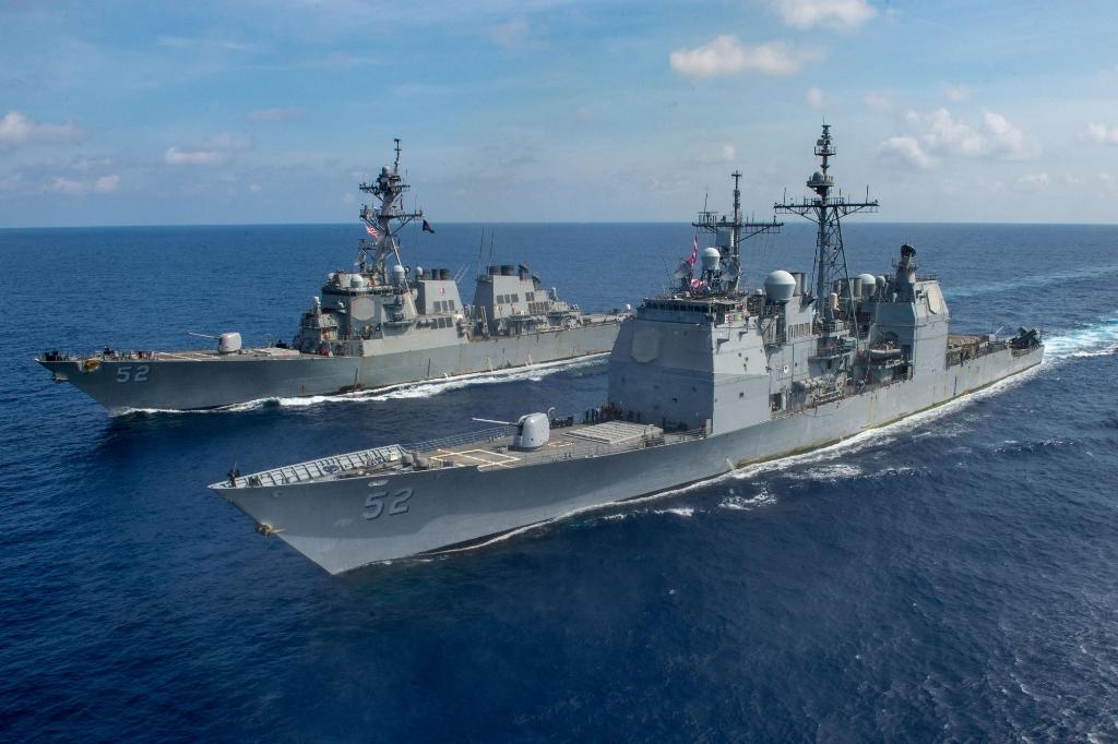 US Navy warships sailing through the South China Sea recently (Photo: twitter@USNavy) by .