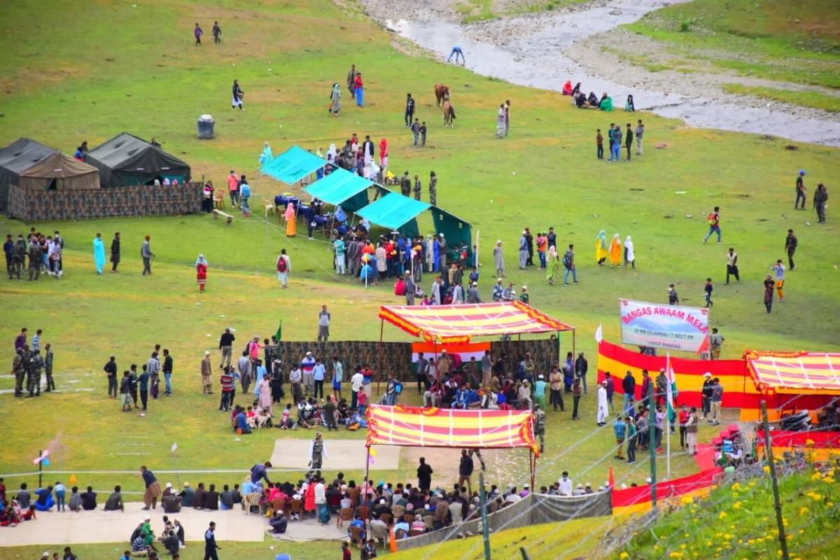 Handwara localites celebrates One Year of abrogation of Article 370 by organising 'Bangas Awaam Mela'. by .